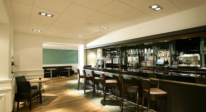 EdinburghCapitalHotel Bar.jpg
