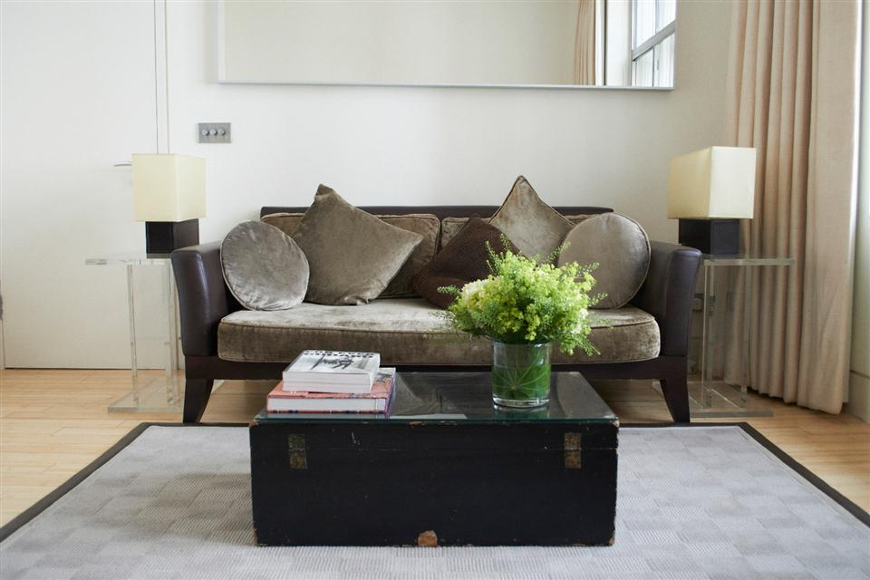 5 Maddox Street - Executive Suite Living Room