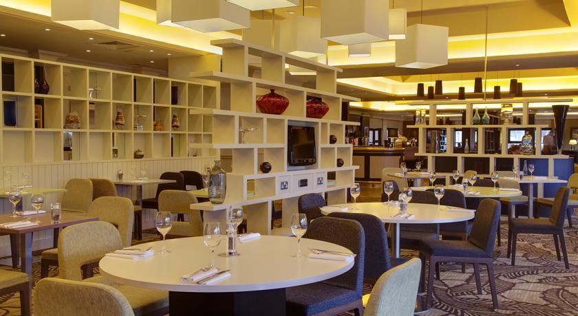 HiltonEdinburghAirport Restaurant.jpg