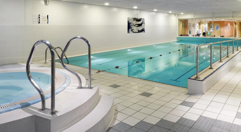 HolidayInnEdinburgh Swimming Pool.jpg