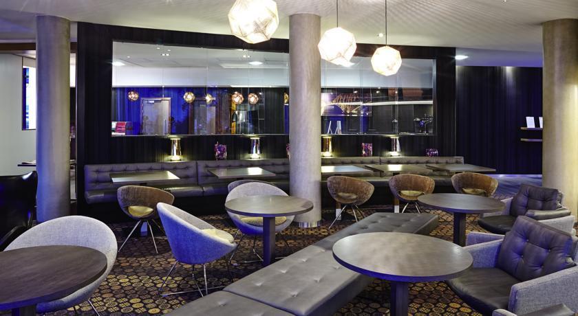 NovotelEdinburghPark bar.jpg