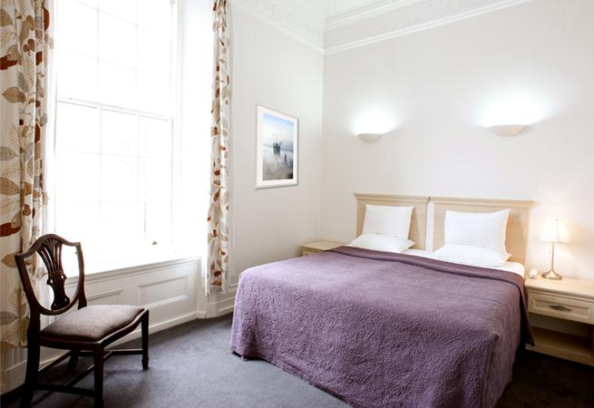 Cavendish House Apartments - Bedroom