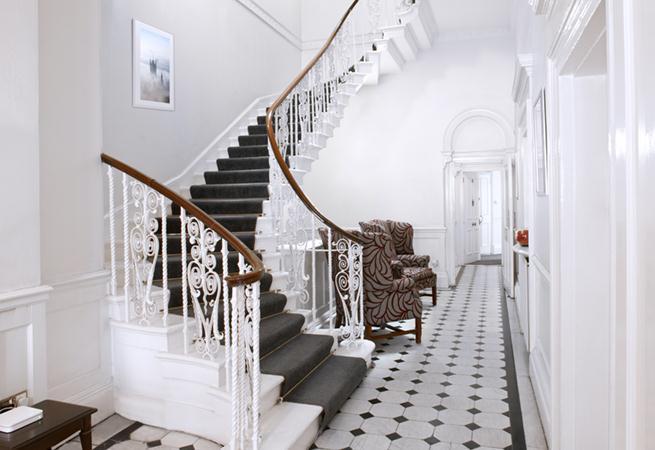 Harley Street House Apartments - Entrance