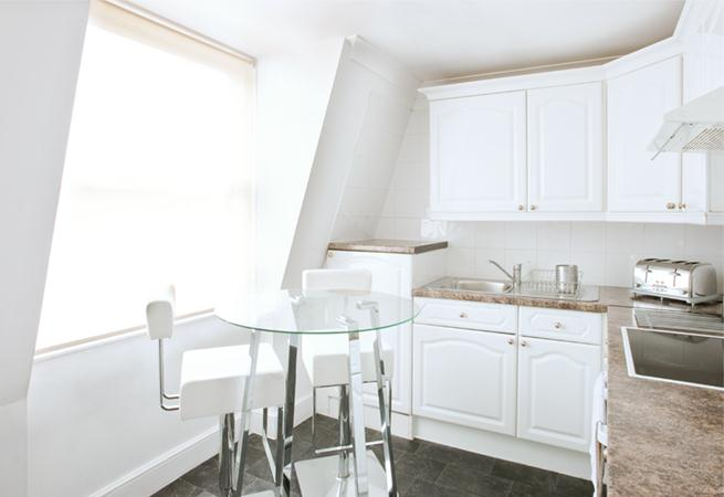 Harley Street House Apartments - Kitchen