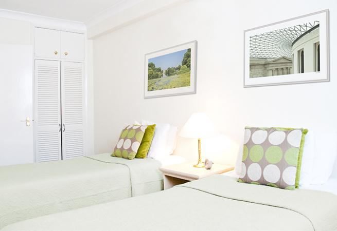 Hertford Court Apartments - Twin Bedroom