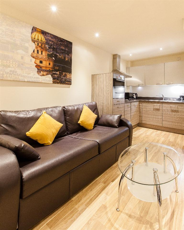 Staycity Serviced Apartments Edinburgh - Living Area