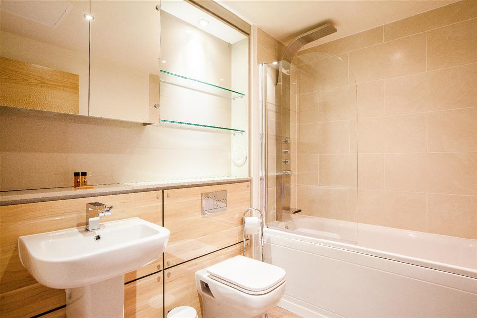 Staycity Serviced Apartments Edinburgh - Bathroom