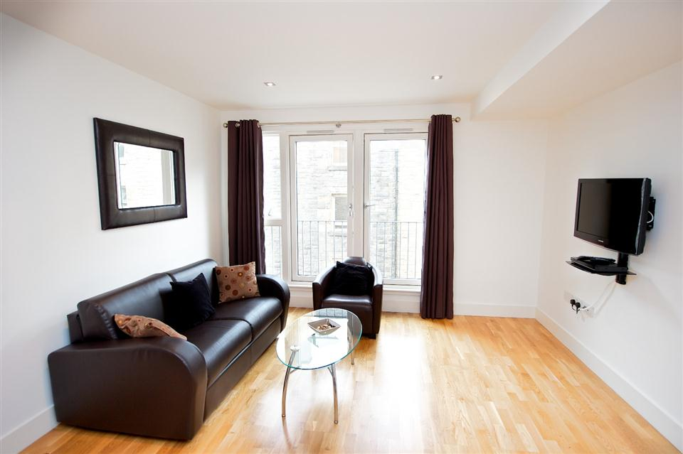 Staycity Serviced Apartments Edinburgh - Living Room