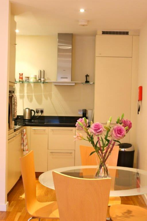 Hosier Apartments - Kitchen