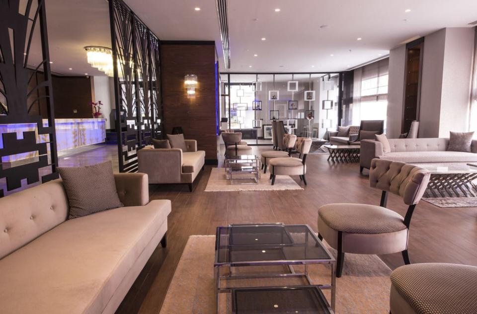Inside Hotel - Lobby.jpg