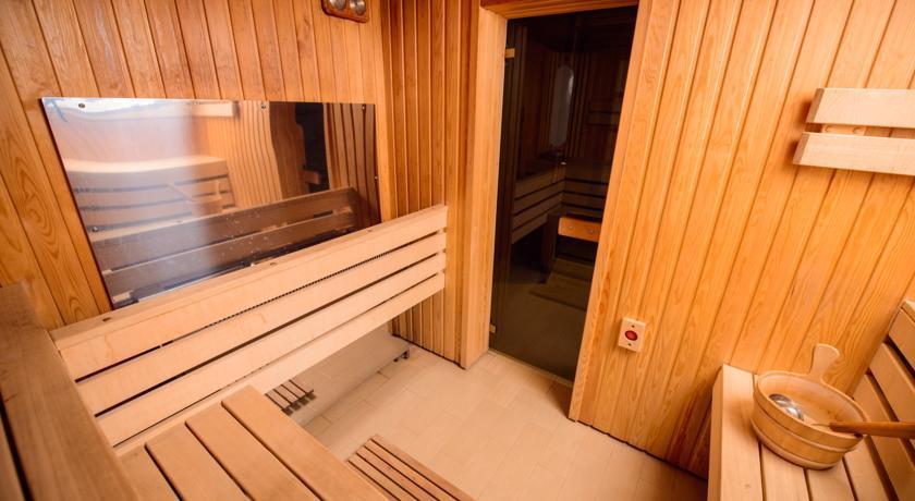 Ambassador Hotel-Sauna.jpg