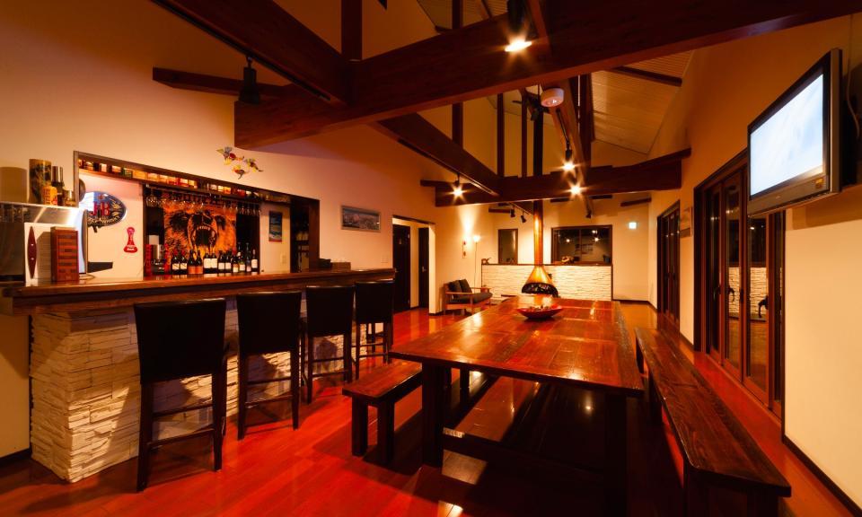 Hakuba Accommodation Bears Den Mountain Lodge 2