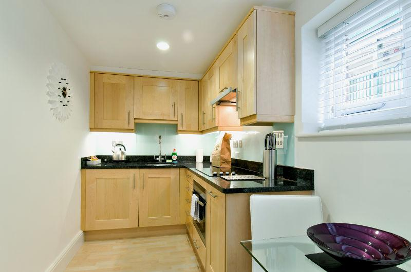 James Street Serviced Apartments - Kitchen