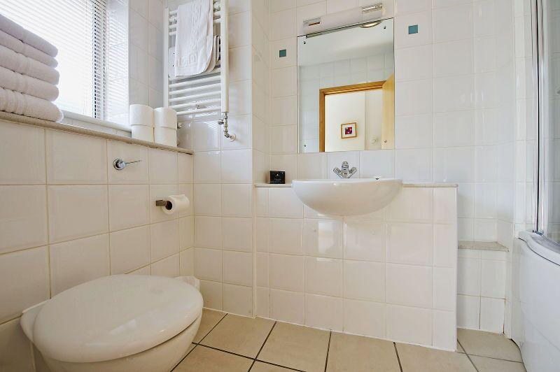 St Christopher's Place - Premium Studio Bathroom