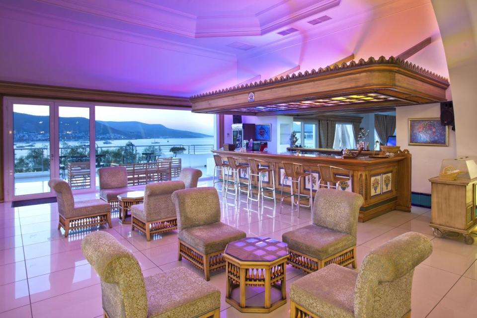 Salmakis - Bar Lounge.jpg