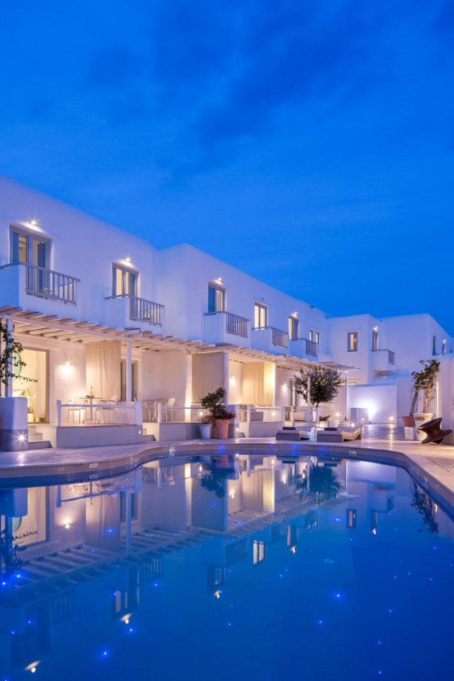 Mykonos Ammos - Swimming pool.jpg