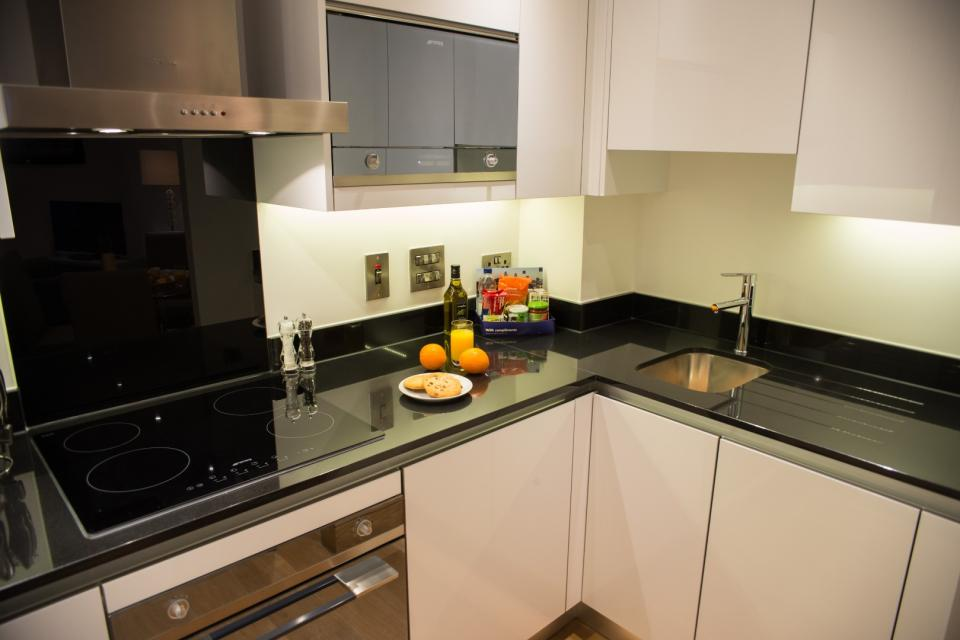 Clarendon Marylebone Apartments - One Bedroom Apartment Kitchen