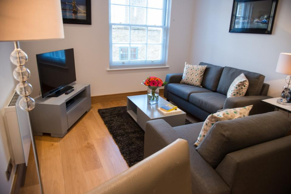Clarendon Marylebone Apartments - One Bedroom Apartment Living Room