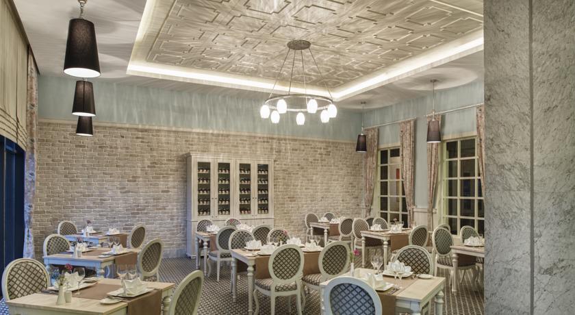 Aska Lara - Restaurant.jpg