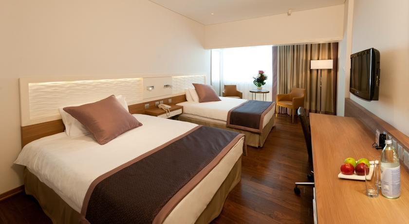 crown plaza - twin room.jpg