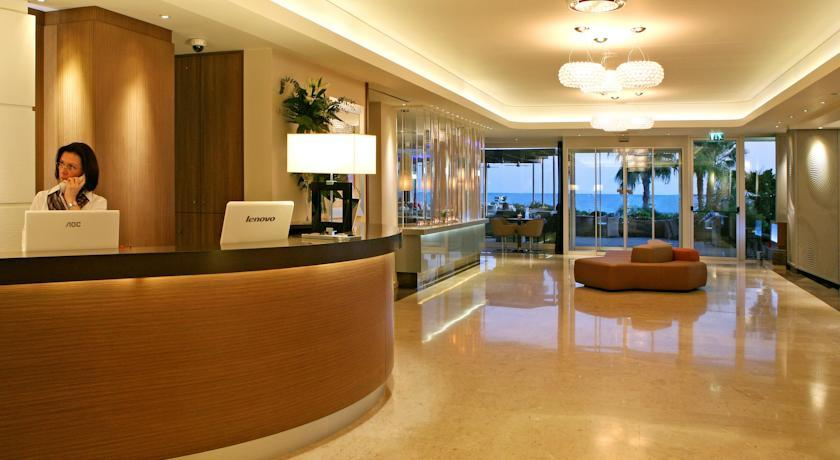 crown plaza -reception.jpg