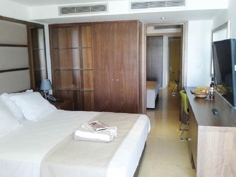 bella napa - superior room.jpg