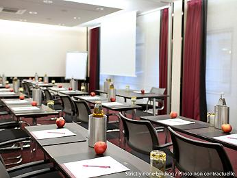 Mercure paris alesia - meeting room.jpg
