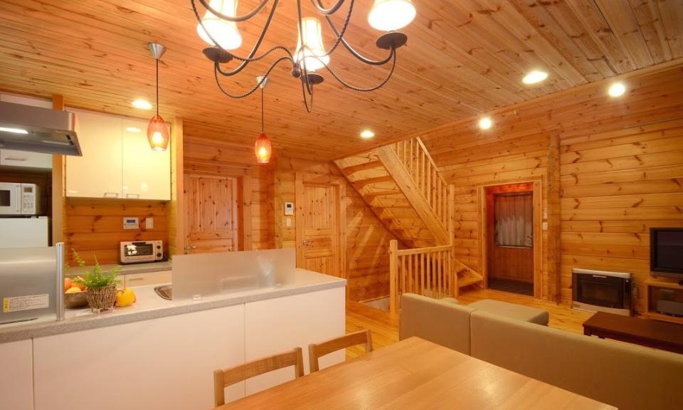 Niseko Accommodation Phoenix Maki Log Chalet 4