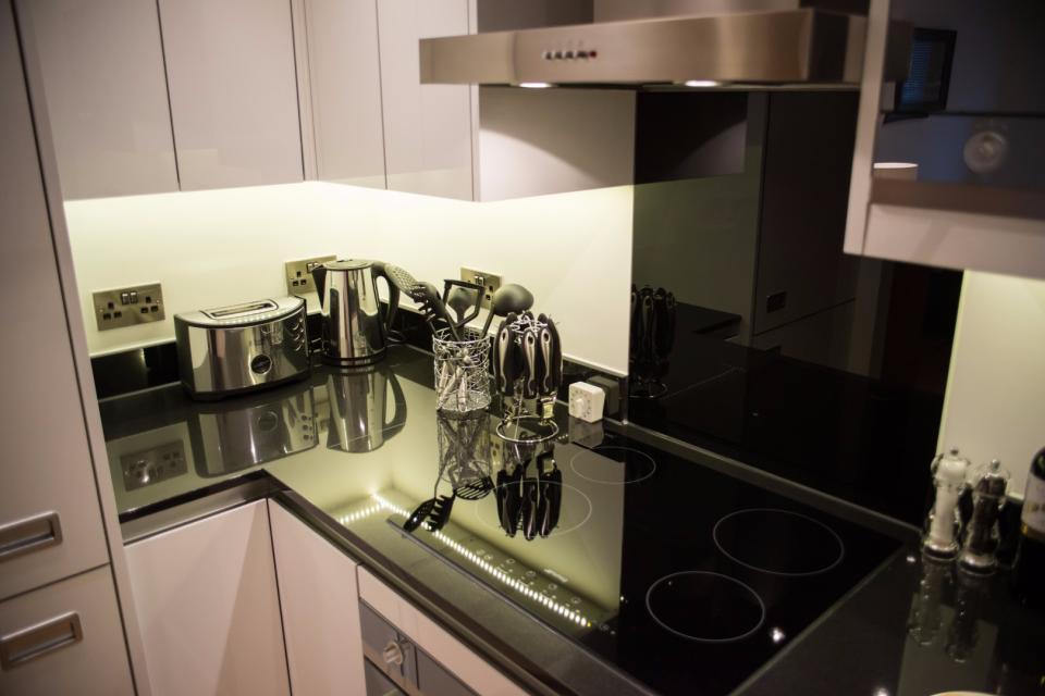 Clarendon Marylebone Apartments - One Bedroom One Bathroom Apartment - Kitchen