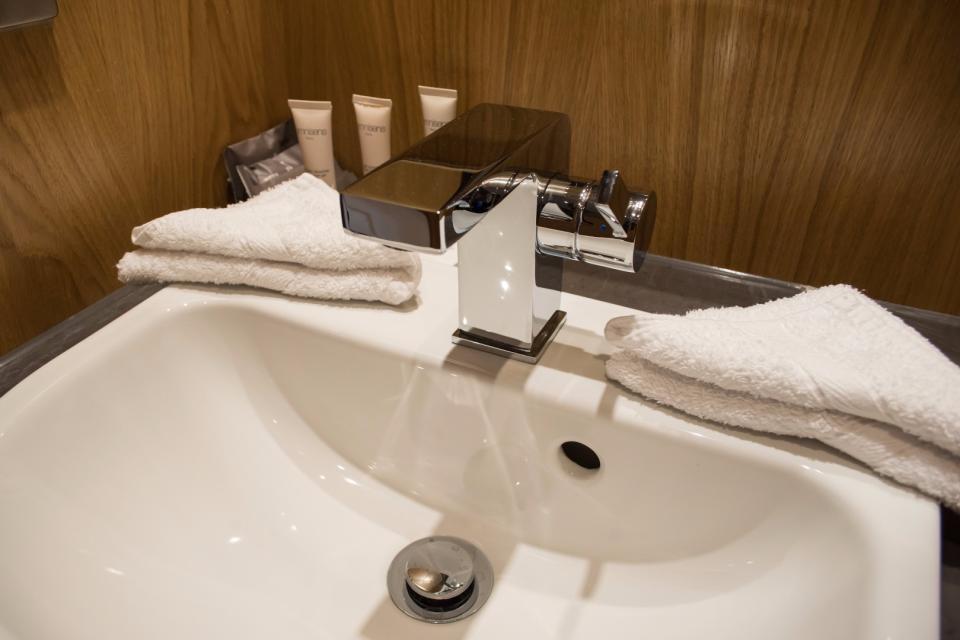 Clarendon Marylebone Apartments - One Bedroom One Bathroom Apartment - Bathroom