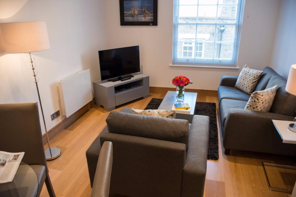 Clarendon Marylebone Apartments - One Bedroom One Bathroom Apartment - Living Room