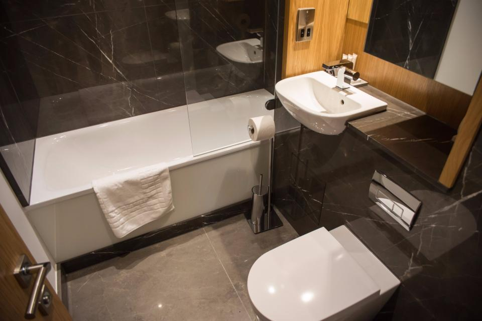 Clarendon Marylebone Apartments - Two Bedroom Two Bathroom Apartment - Bathroom
