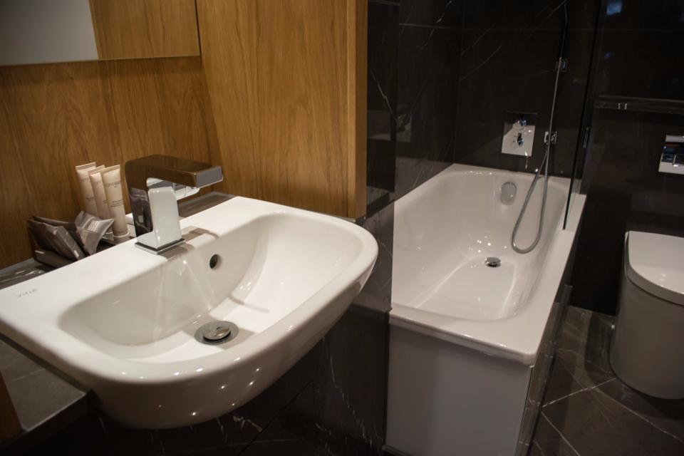 Clarendon Marylebone Apartments - Two Bedroom One Bathroom Apartment - Bathroom