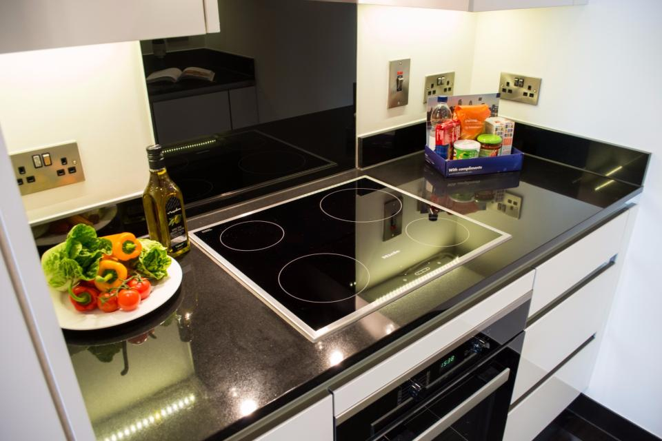 Clarendon Marylebone Apartments - Two Bedroom One Bathroom Apartment - Kitchen