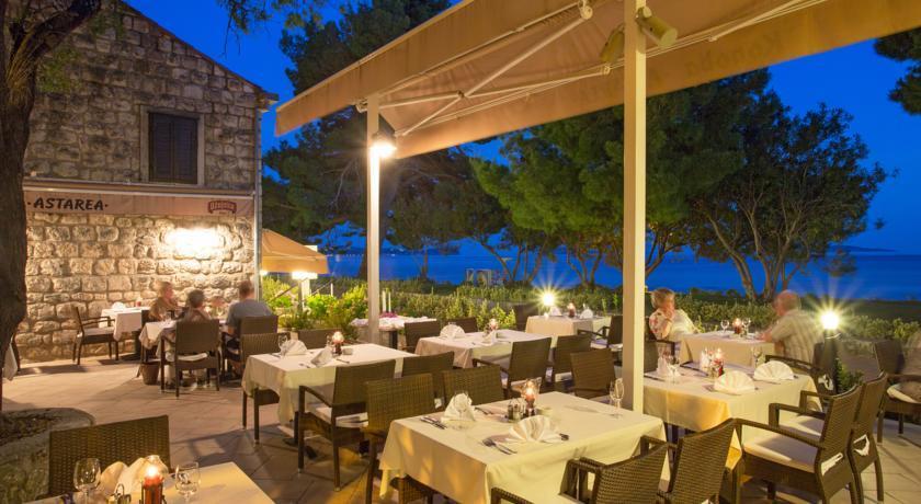 Astarea hotel - Restaurant.jpg