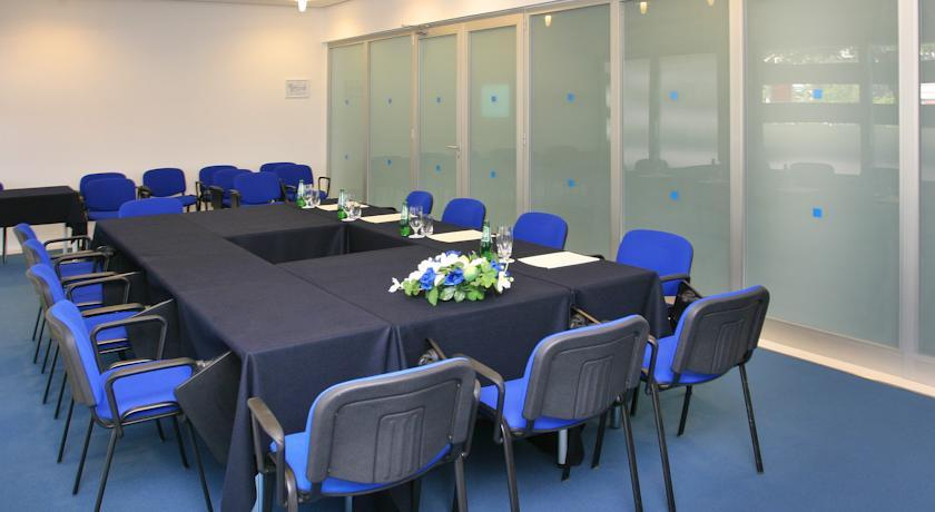 Uvala - Meeting room.jpg