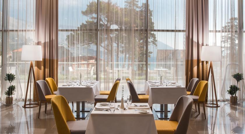 Sheraton Riviera - Restaurant.jpg