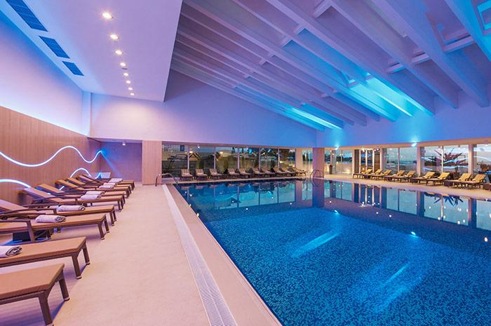 valamar president - indoor swimming room.jpg