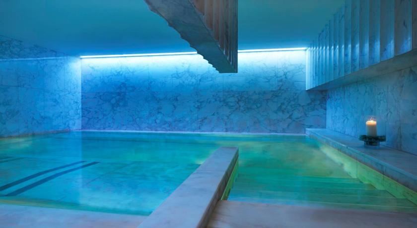 Grand hotel via veneto - Indoor swimming pool.jpg