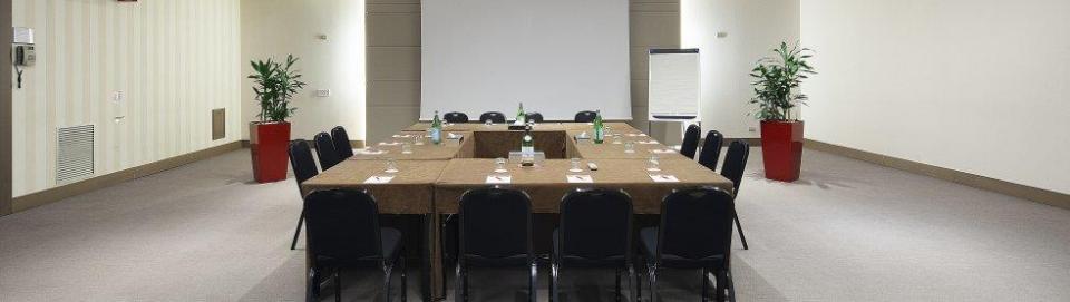 NH Collection Roma Vittoria Veneto - Meeting Room.jpg
