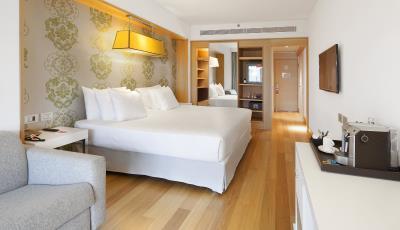 NH Collection Roma Vittoria Veneto - Premium Room.jpg