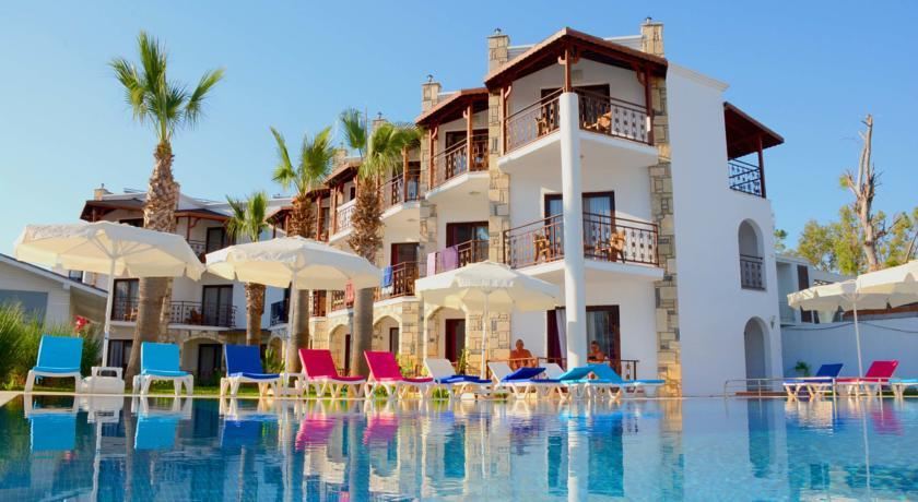 Gumbet Beach Resort - Pool.jpg