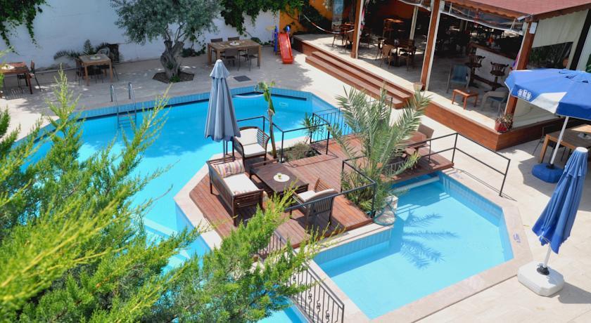 Centro hotel bodrum- pool.jpg