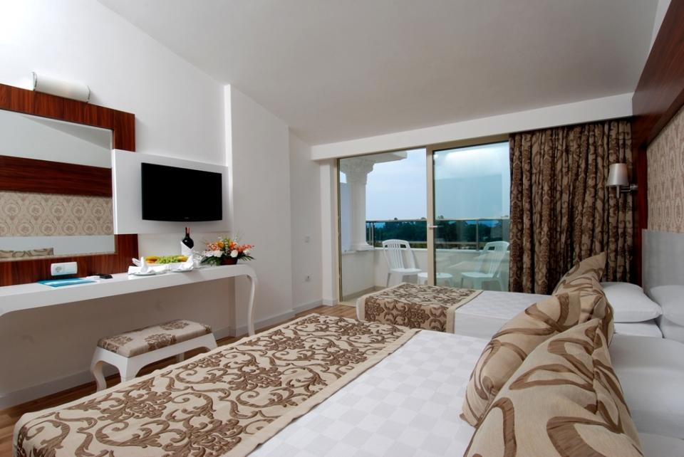 Maya world  belek - Triple room.jpg
