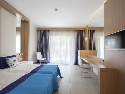 TT Pegasos World Hotel - Twin Room.jpg