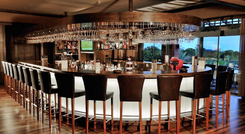 Gloria Golf - Bar Lounge.jpg