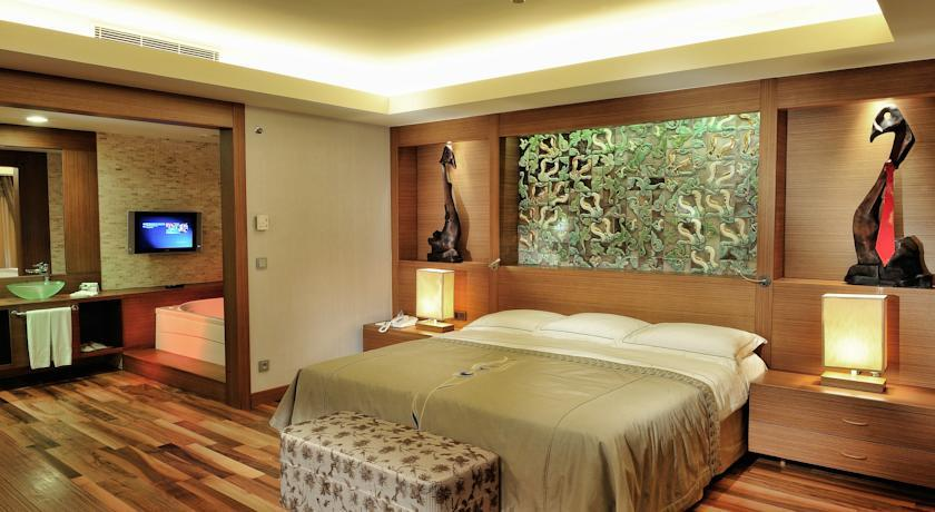 Gloria Golf - Double room.jpg