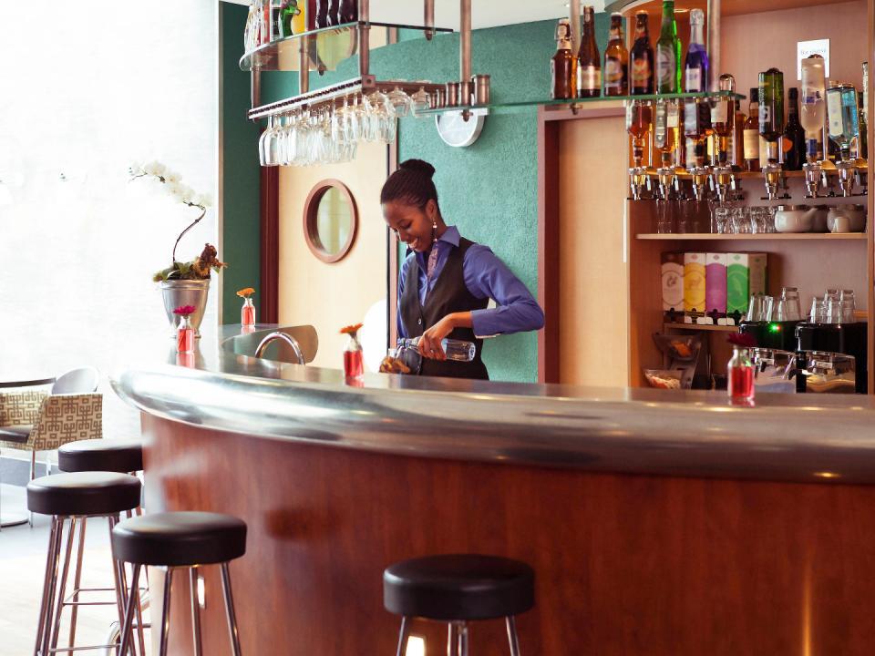 Novotel Suites Paris de la Chapelle (1).jpg