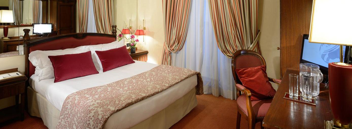Colonna Palace-Classic Double Room