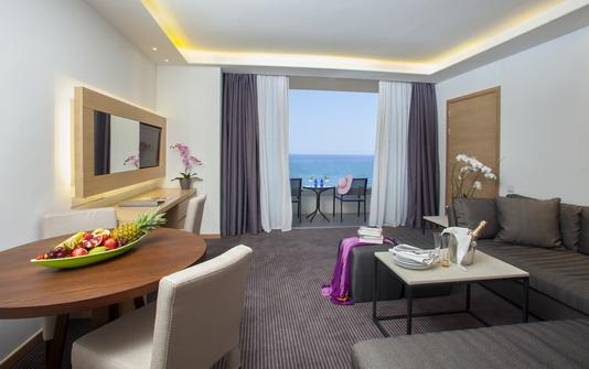 Royal Apollonia Beach-Deluxe Suite